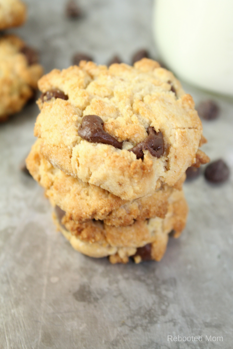 A healthier alternative to the traditional chocolate chip cookie - grain-free, and no refined sugar. They are soft and chocolatey!