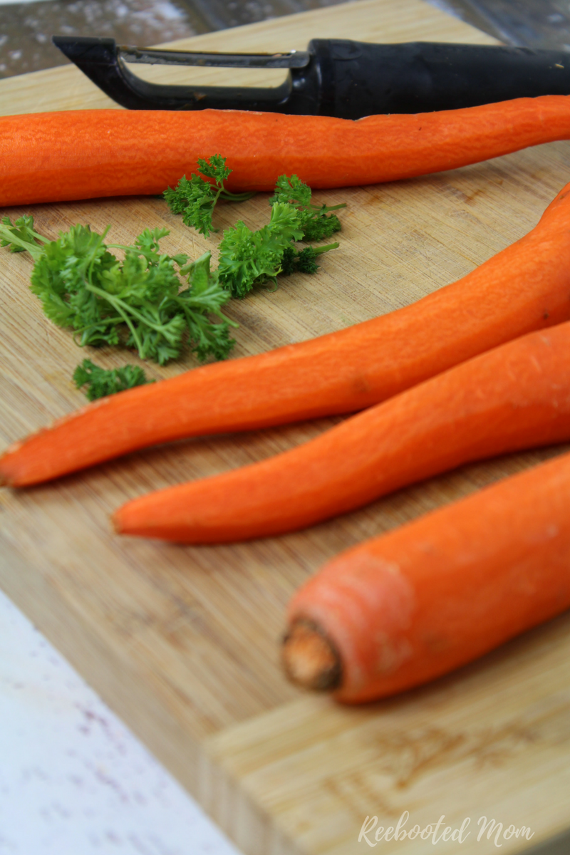 Grated carrots blend with dijon mustard, and fresh squeezed lemon juice and honey to make a salad that's incredibly simple to make and wonderful for you!