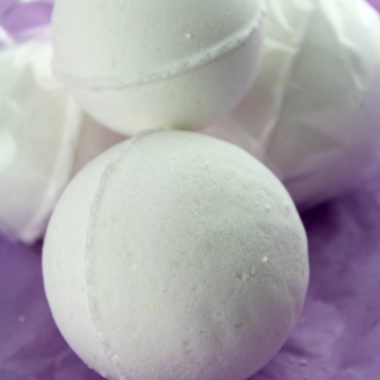 How to Make Lavender Orange Bath Bombs