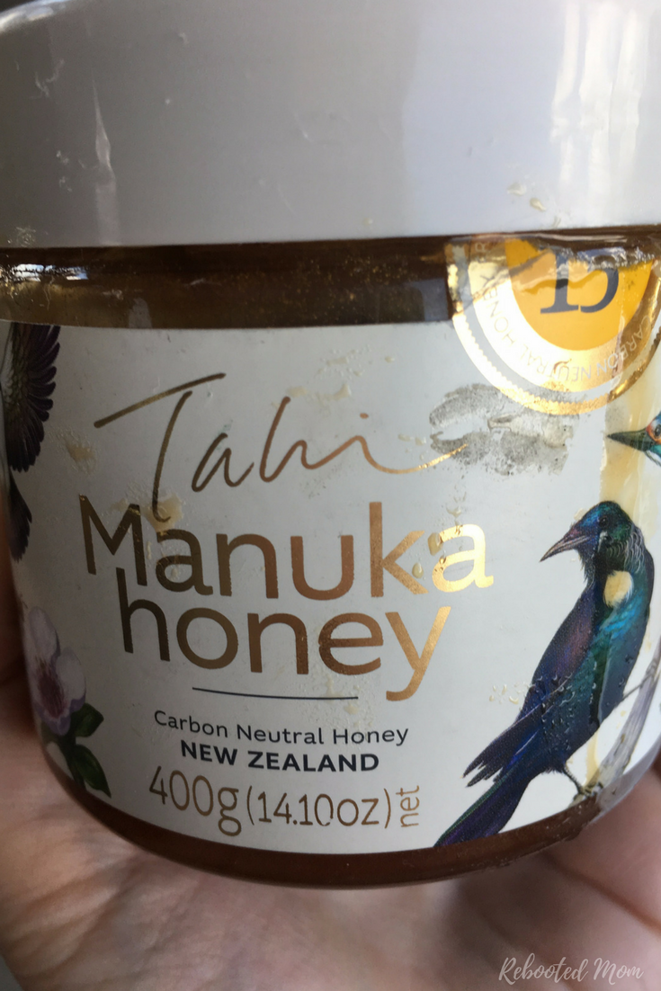"Manuka ""width ="" 536 ""height ="" 804 ""srcset ="" https://www.rebootedmom.com/wp-content/uploads/2017/07/Manuka.png 735w, https://www.rebootedmom.com/ wp-content / uploads / 2017/07 / Manuka-200x300.png 200w, https://www.rebootedmom.com/wp-content/uploads/2017/07/Manuka-683x1024.png 683w ""tailles ="" (max- largeur: 536px) 100vw, 536px ""/></p> <p><img class="
