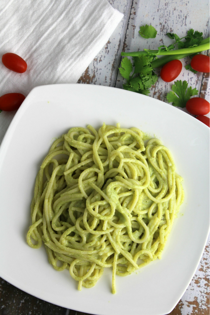 A creamy broccoli sauce that is delicious poured or mixed in to pasta, or veggie noodles!