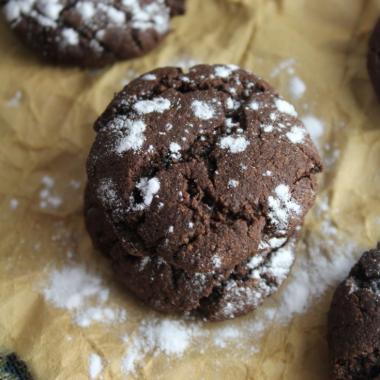 Healthier Chocolate Crinkle Cookies (Gluten-free, Paleo)
