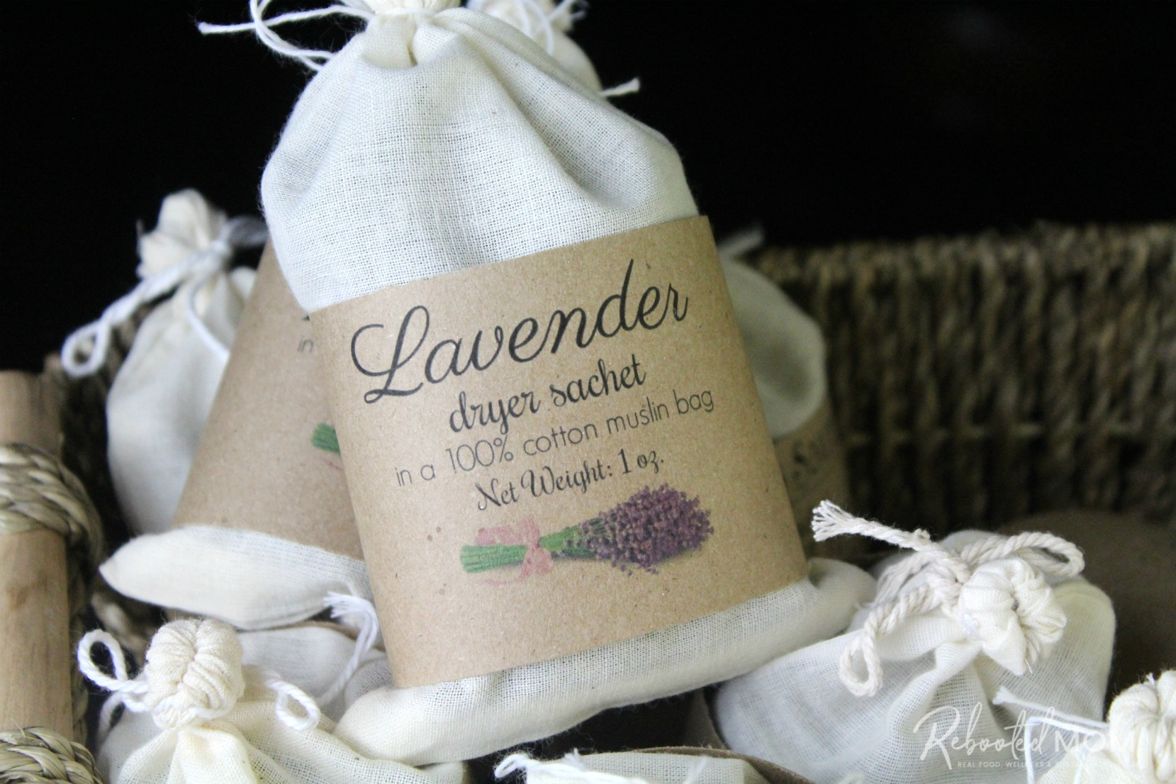 These herbal dryer sachets are a beautiful and healthy way to scent your laundry and they make wonderful gifts for friends, co-workers and even teachers!