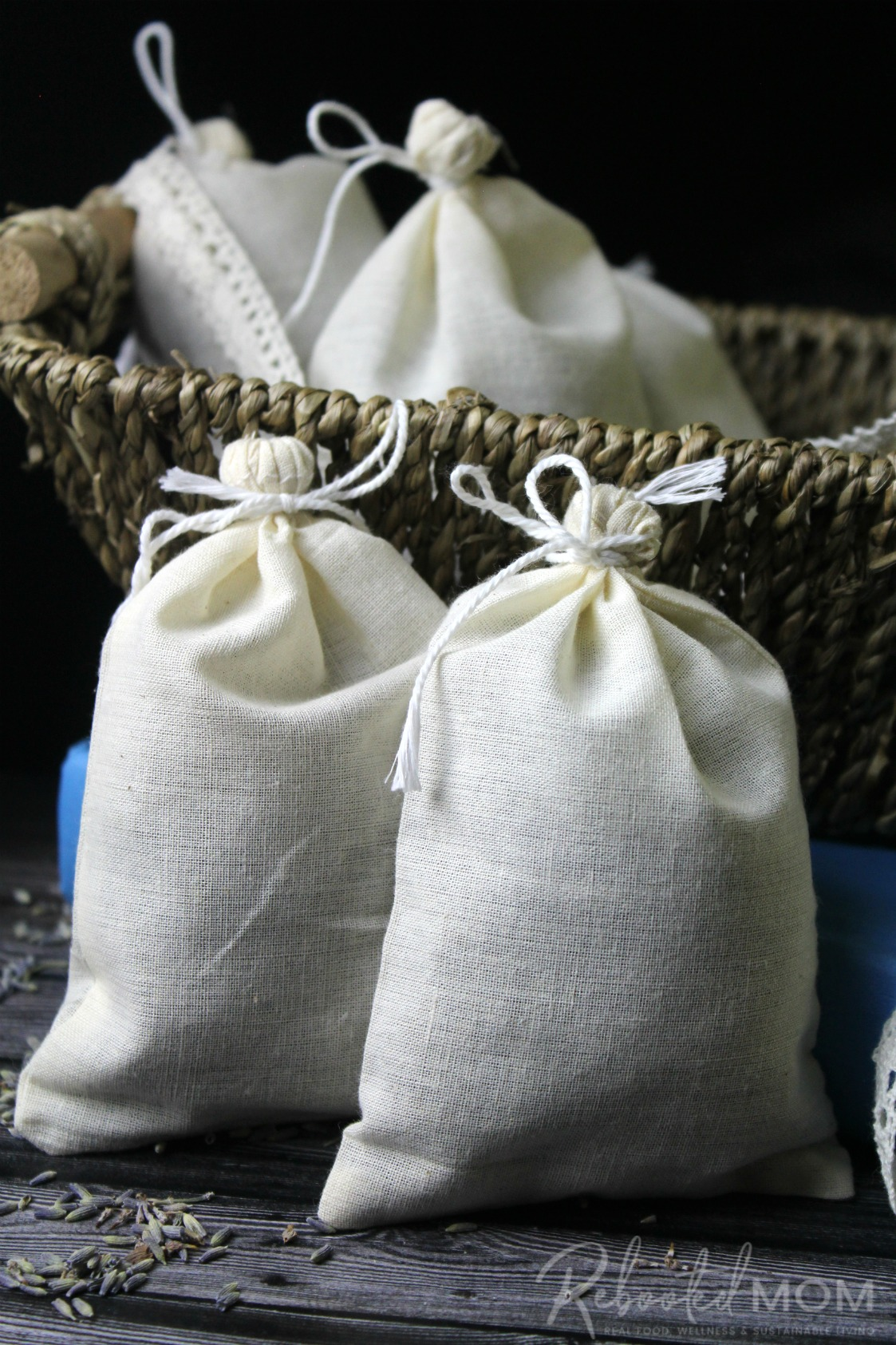 Unlabeled muslin bags filled with herbs \\ These herbal dryer sachets are a beautiful and healthy way to scent your laundry and they make wonderful gifts for friends, co-workers and even teachers!
