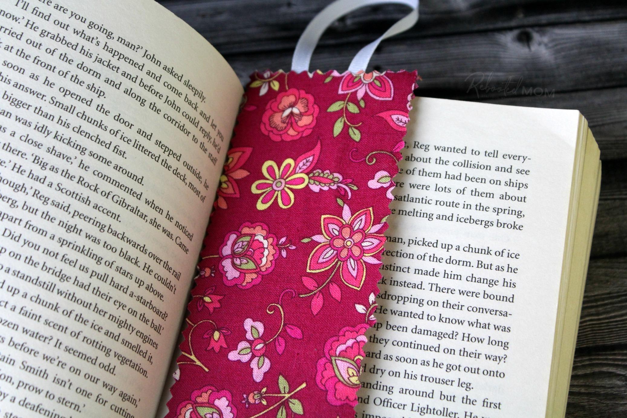 No-Sew Fabric Bookmark