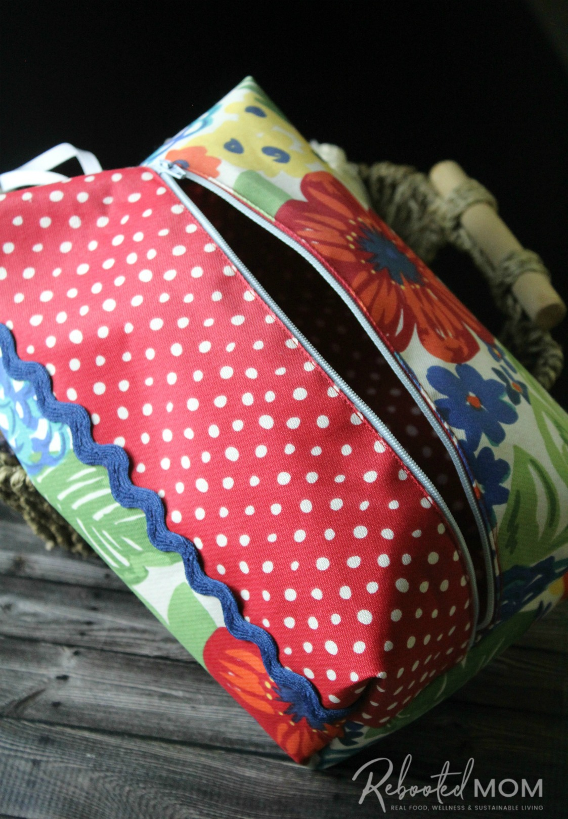 A Pioneer Woman placemat turned into a cosmetic bag