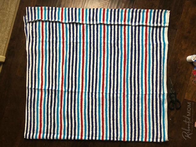 DIY Beach Towel Bag - sew the pockets