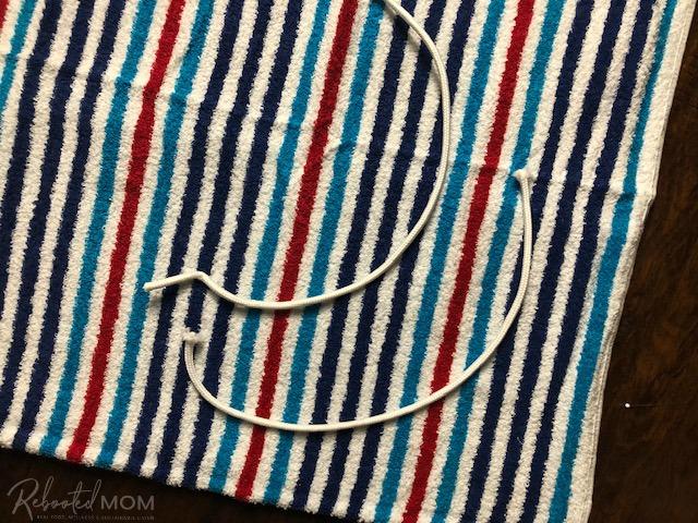DIY Beach Towel Bag - sew on the tabs