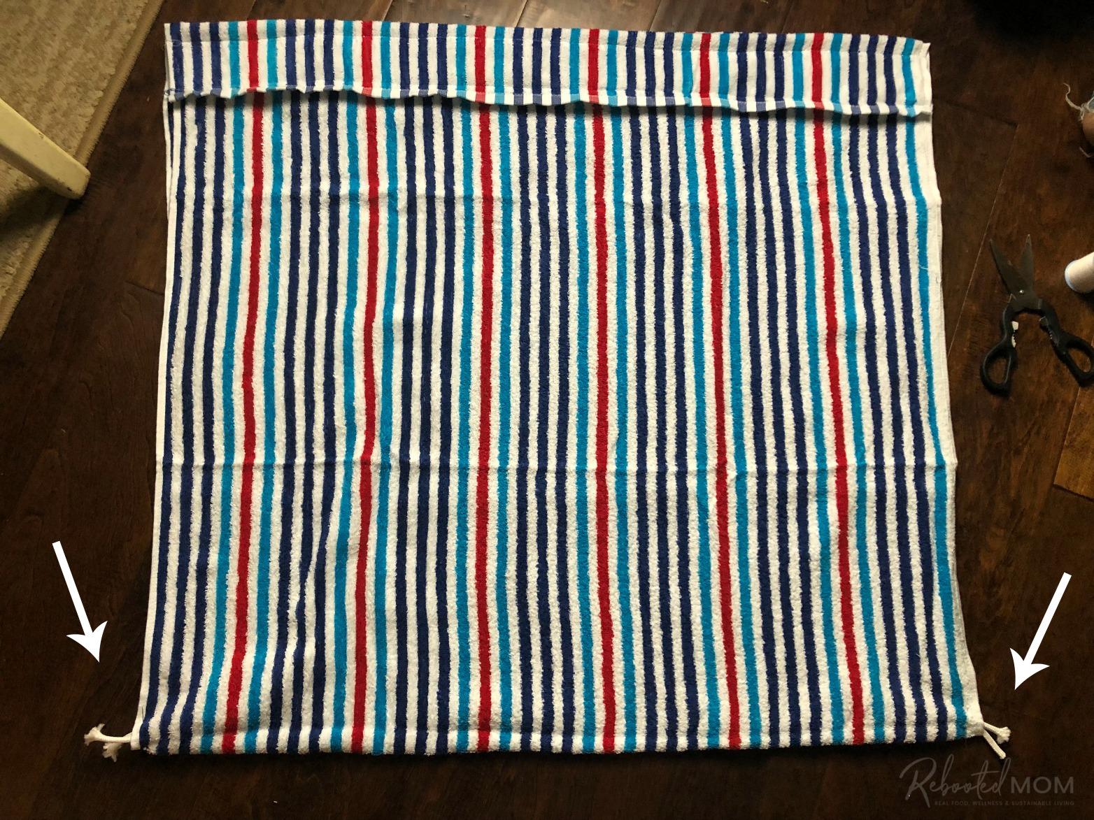 DIY Beach Towel Bag - sew the loops