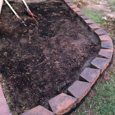 Easy DIY Decorative Landscaping Edge