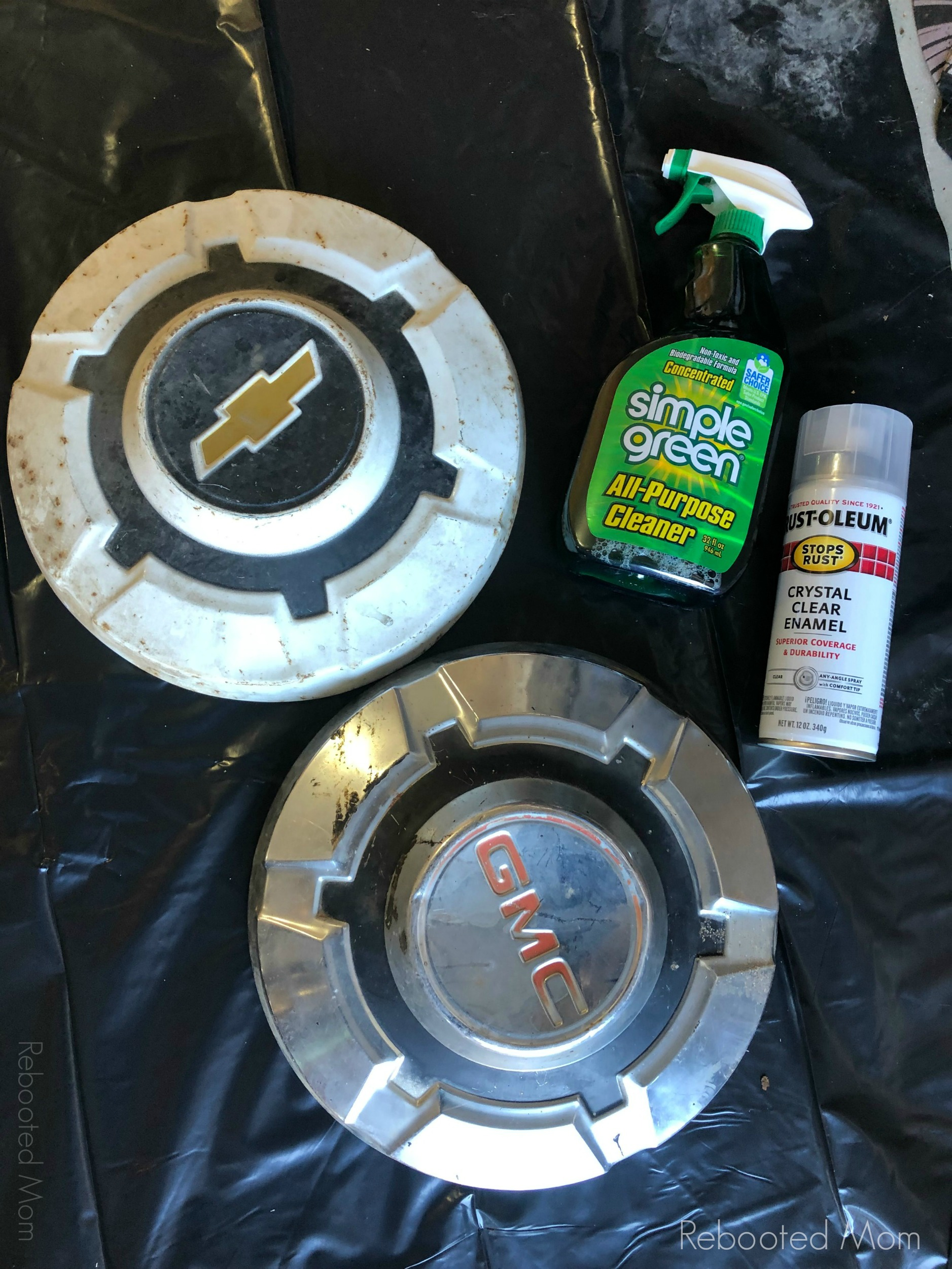 Upcycled Hubcap Clock