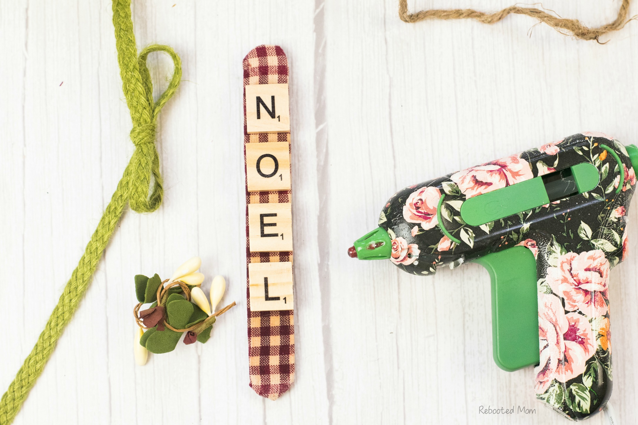 Scrabble Tile Ornament DIY