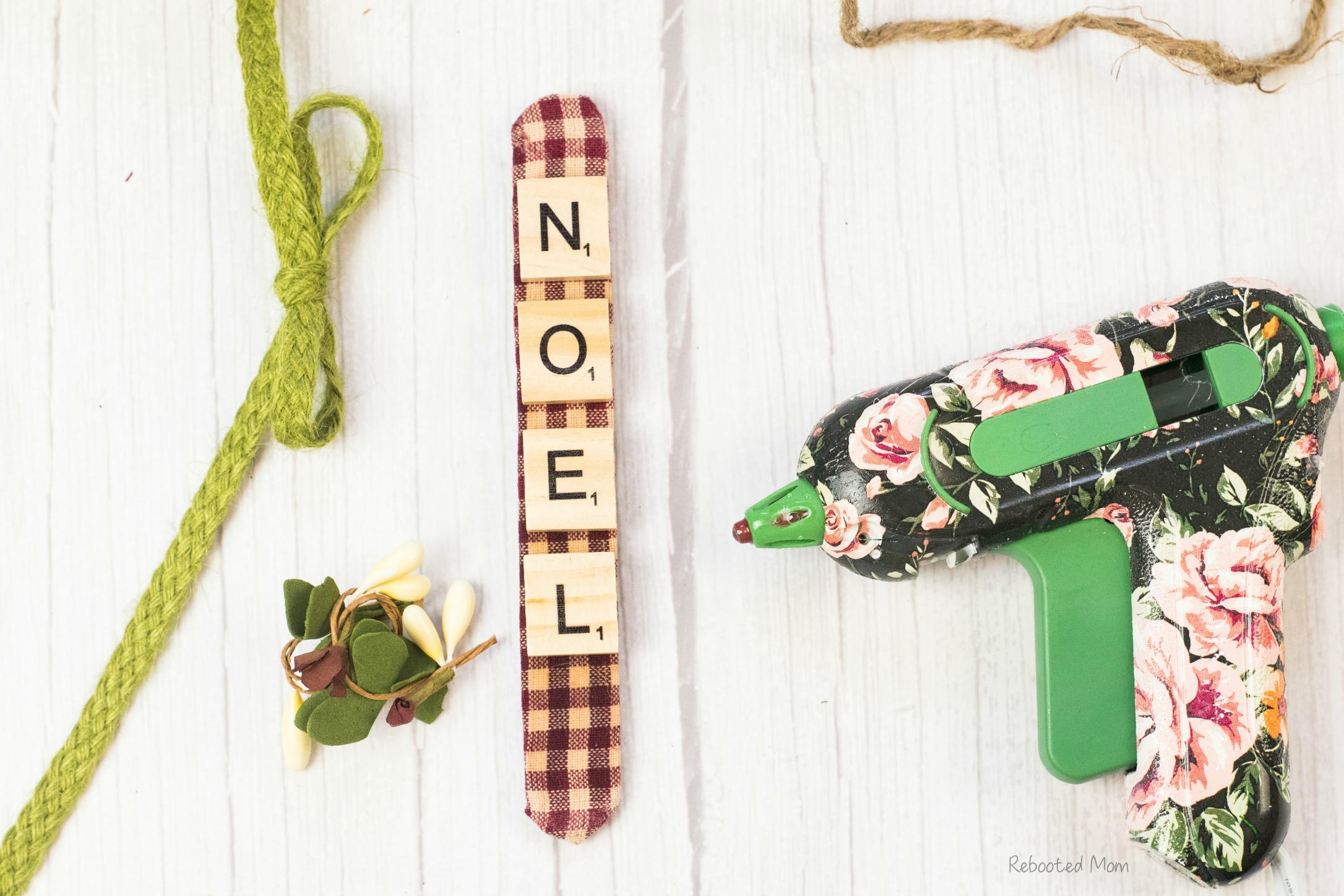 Scrabble Tile Ornament DIY
